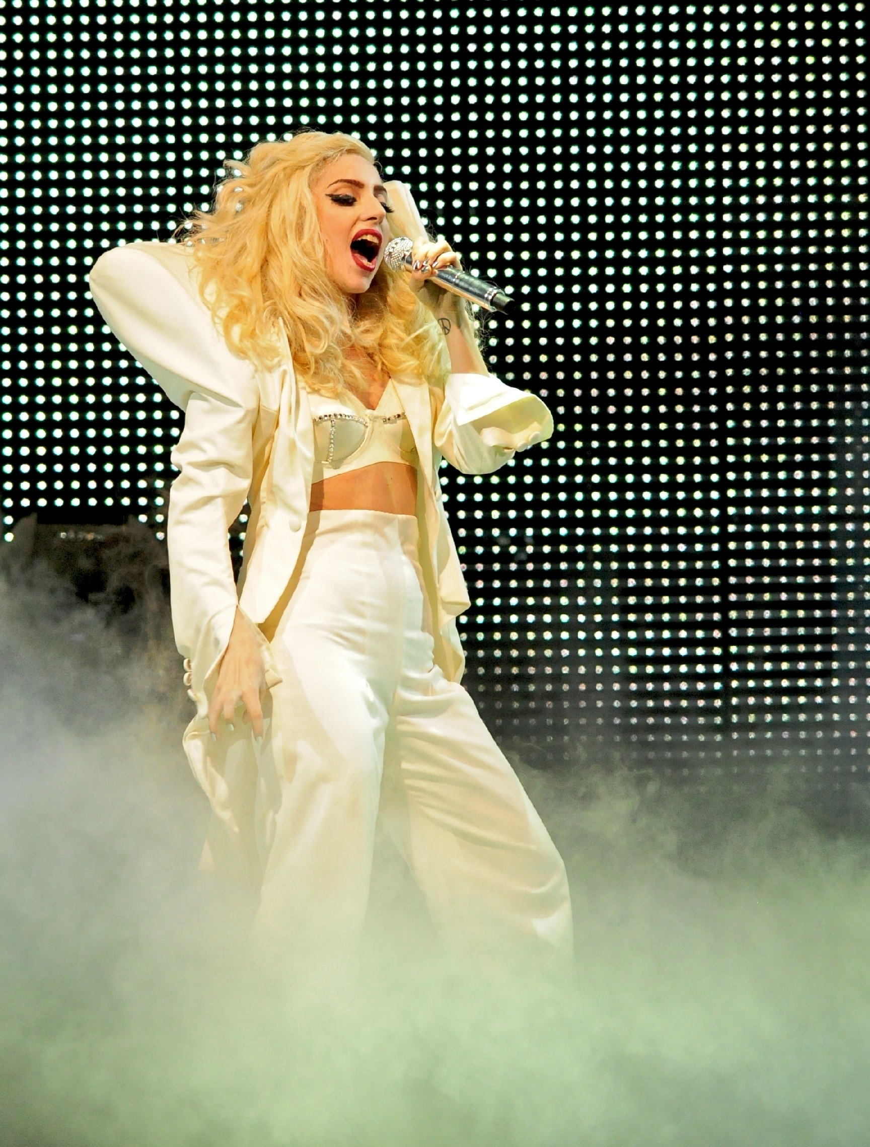 Plans in the works for a Lady Gaga 3-D concert ... Lady Gaga Tour
